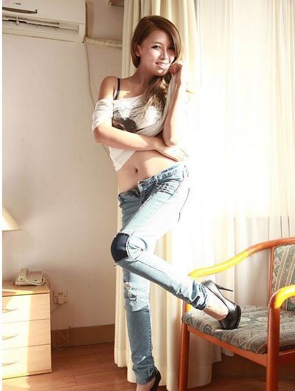 模特叶桐大尺度照片       摄影师要非常的专业才能把持得住