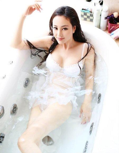 小范冰冰刘朵朵资料简介   刘朵朵并不是她的本名