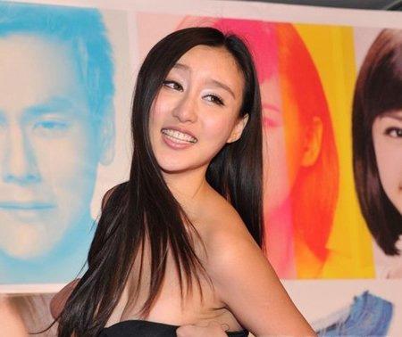 刘羽琦陪酒门是怎么回事    这件事牵扯到了喜爱夜蒲2的制作人