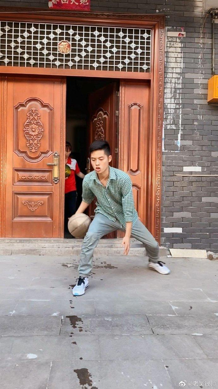 吴存伟多高图片信息 他是一位沙雕幽默的钢铁直男