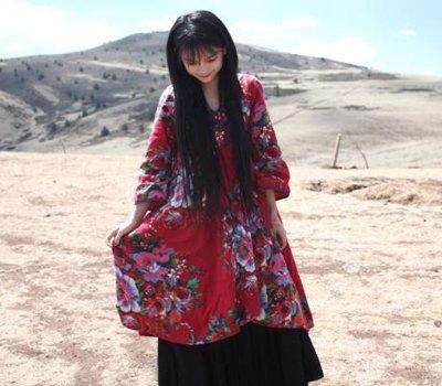 南笙姑娘减肥前真实照 宅男女神在西藏拍照也很美