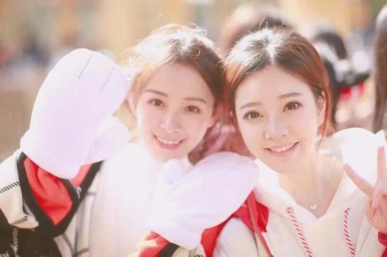 熊猫TV二珂微博晒卖萌照引围观 原来二珂也有可爱的一面
