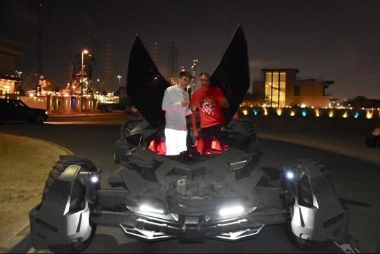 帝师迪拜旅游试驾全球唯一正版蝙蝠车   帝师坦言这车让他热血沸腾