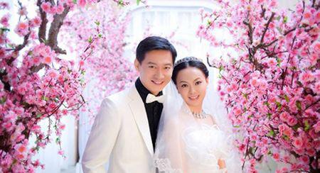 杨俊毅妻子王在玲简历    王在玲 算是商界的女强