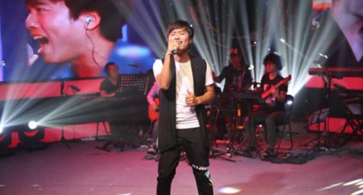 YY LIVE991玩唱会特辑彩排ing   高峰时50万人同时在线
