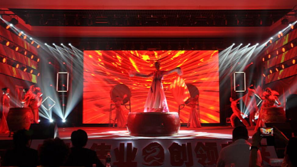 China舞帝传媒四周年大型庆典引围观  各大网红都来表态了