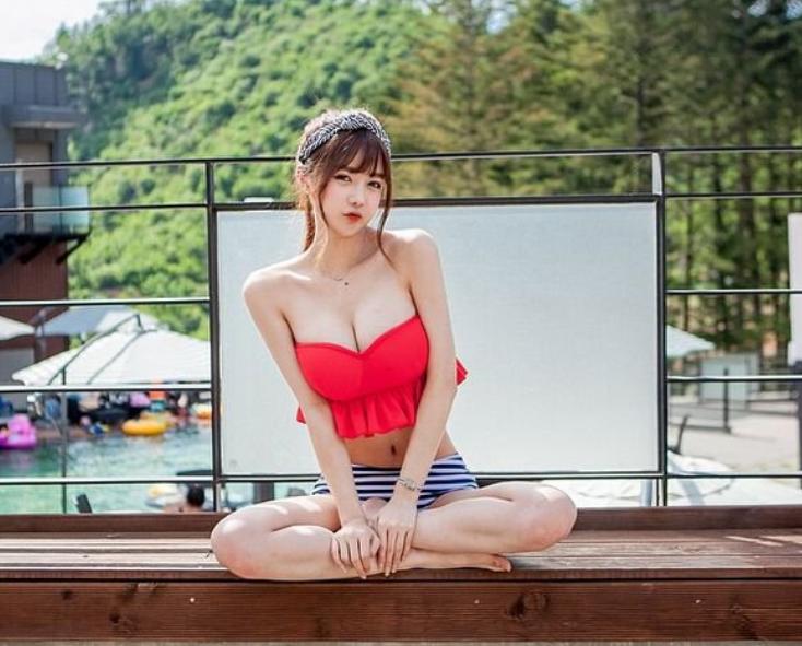 韩国女主播李秀彬写真   身材因像娜美的身材而爆红