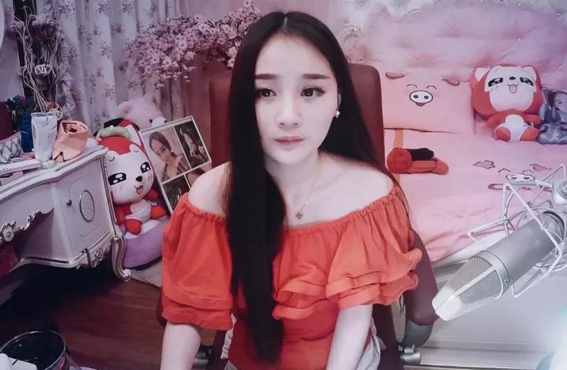 YY语音招募美女主播了   这一次的提成可高达10000元以上