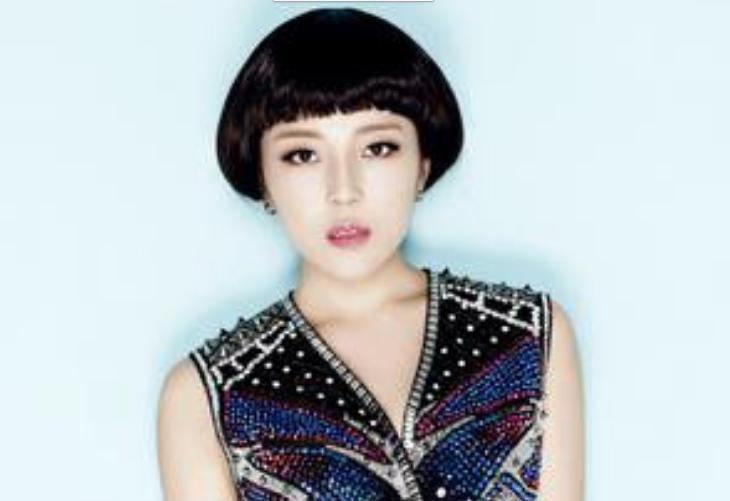 当红歌手崔子格YY演出卜卦    这次是与毒药一起连麦