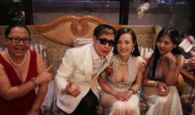 干露露和邓建国什么关系   两人的关系真的是扑朔迷离
