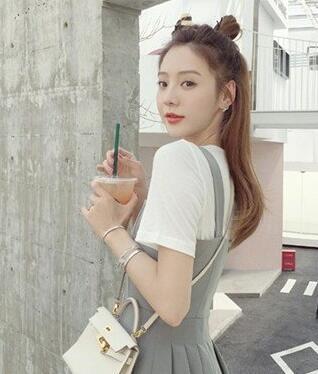 网红夏夏个人资料介绍 她被网友评为是最美网红