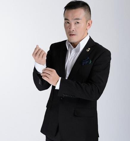 拜托了衣橱王玉涛个人资料  王玉涛是转行做设计