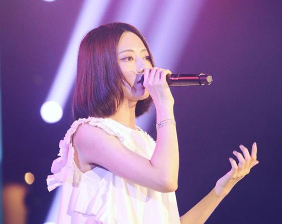 阿细-CHEUNG真名叫什么     她的歌声陪伴了很多年轻人度过孤独的夜晚