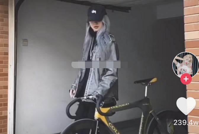 抖音蔡徐坤天才小火龙的资料 以前骑单车斩获了很多女粉