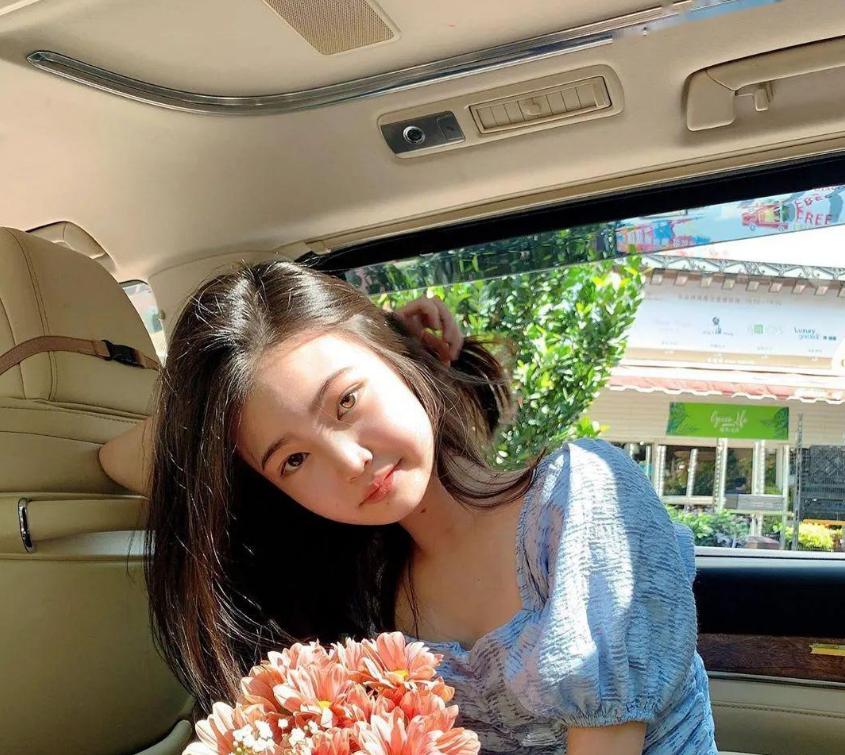 香港白富美王天佑妹妹王天伊的资料  她的ins基本都是她满世界到处玩的照片