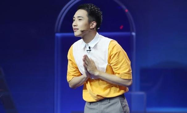 Adam陈老丝年龄资料简介 他能火的答案在第一条置顶视频