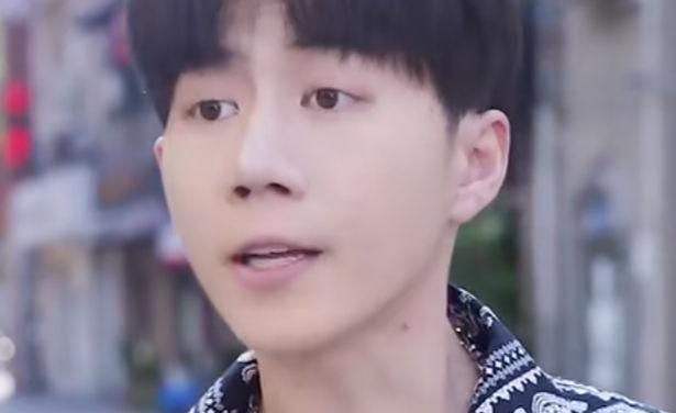 爱与二歪年龄资料简介 他的视频有点类似会说话的刘二豆