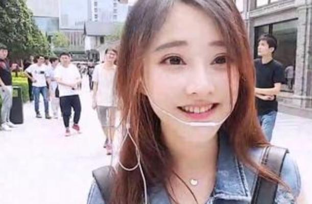 斗鱼tv冯提莫4年直播女大十八变 确实是越变越好看