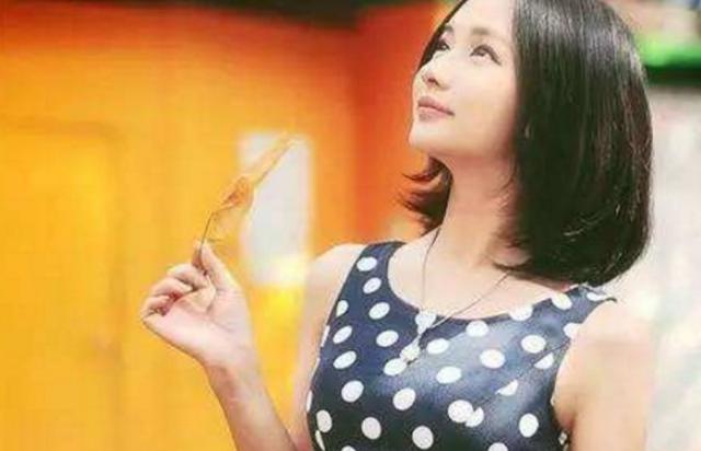 电竞一姐miss个人资料 当年虎牙是以以一线女星身价签下她的