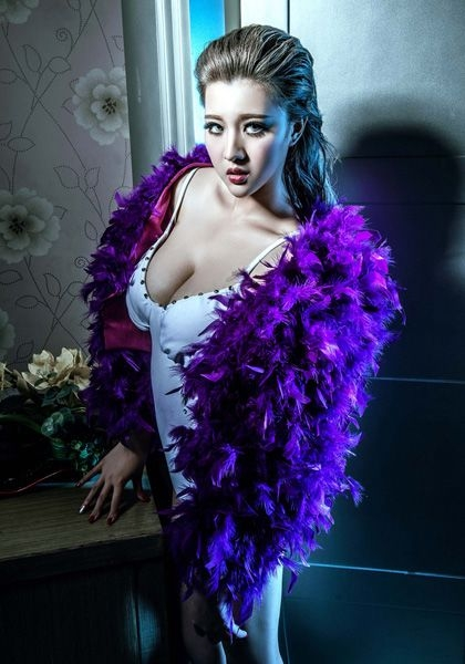 大陆版瑶瑶李卓君照片   她是知名时尚杂志的御用模特