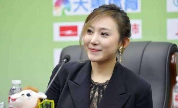 文筱婷凸点照曝光    年纪轻轻就已经是中国最美老板