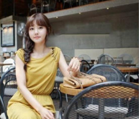 李恩真私房泳装照片 她是韩国非常受欢迎的模特